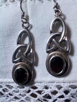 Rubin kōves, antik jelzett ezüst, női fülbevaló pár