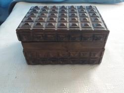 Tramp Art stílusba készült aranyos ékszertartó doboz
