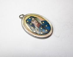 Szűz Mária tűzzománc medál ezüst foglalatban.