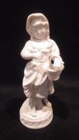 Nápolyi biszkvit porcelán szobor , lány kosárral