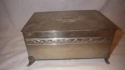 Szecessziós nagyobb alpkakka doboz