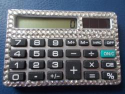 Gyönyörű női számológép napelemes