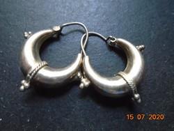 Rádzsasztán (Rajasthan) antik törzsi ezüst jellegzetes csavart rátétes díszítéssel fülbevaló