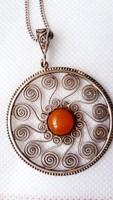 Antik  ezüst  medál  lánccal   eredeti  borostyán  kővel