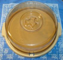 Retro zárható, fedeles műanyag torta és süteménytartó tál az 1980-as évekből