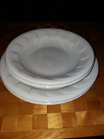 Hófehér Hollóházi tányérok pótlásnak 2-2