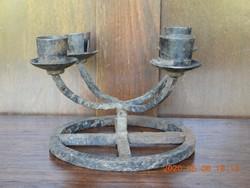 4 ágú, kovácsoltvas gyertyatartó