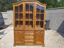 Eladó egy 4 fiókos, sok polcos, NAGY vitrines, tölgy tálaló Bútor szép, újszerű állapotú, hibátlan.