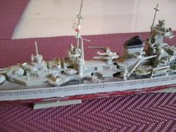Makett, tengerjáró flotta hajó, festetlen.