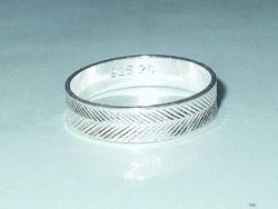 Vésett mint. 925 ezüst uniszex Karikagyűrű 7-8 és 10-es