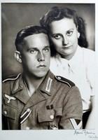 Wehrmacht katona páncélos rohamjelvénnyel. ( tizedes )