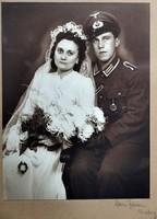 Wehrmacht katona páncélos rohamjelvénnyel.