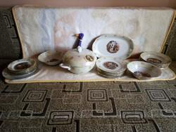 20238A Kahla porcelán lüsztermázas, zsánerjelenetes étkészlet