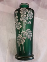 Cseh zöld, üveg váza, hibátlan állapotban, ritka darab. 20 cm-es.