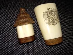 Két tárgy csontból és fából, népi iparművész kupica, pohár és sószóró