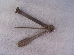 Pipaszurkáló  fém. három részes. használt, de jó állapotban. Hossza 7,5 cm