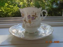 19.sz Rokokó gazdag csipkés,dombormintás,bordázott virágos csésze alátéttel  kézi arany számozott