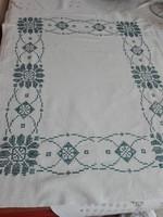 Antik, hímzett vászon terítő, 62 x 74 cm