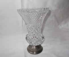 Fém talpas üveg váza
