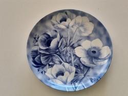 Régi francia porcelán Limoges réti boglárka mintás dísztányér kék fehér virágos tányér
