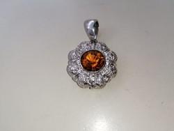 Ezüst medál narancs színű kővel 925
