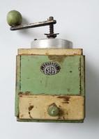 Régi fiókos fa kávédaráló vintage daráló