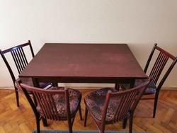 Fa asztal 4 db székkel eladó étkezőgarnitúra