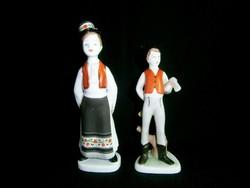 2 db Hollóházi porcelán fiú Matyó mintás ruhában és favágó fiú