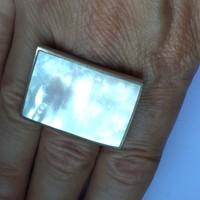 Nagy ezüst gyűrű gyöngyház 51-es méret