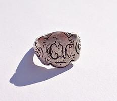 13 latos monogramos antik gyűrű