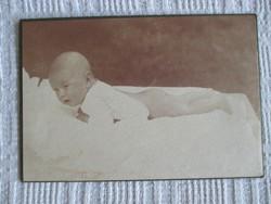 Babafotó, műtermi fotó az 1930-as évek második feléből, kartonra ragasztva