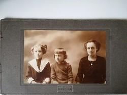 Régi vintage fotó nő gyermekekkel