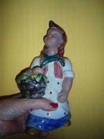 Rahmer Mária :Virágáruslány kerámia figura
