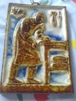 Zsolnay :Kesztyűkészítő mester, pirogránit falidísz ,