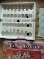 Sakk készlet üvegből