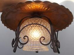 Kovácsoltvas mennyezeti lámpa