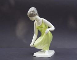 Ritka festésű Drasche porcelán vÍzmerítő lány nő aranydíszítésű zöldruhás hölgy