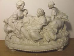 Régi, antik biszkvit porcelán figurák: hölgyek és egy úr bájos életképben- nagyméretű kaspó, kínáló