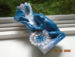 19 Sz.Relief with reeds, figural frog, numbered once gilded majolica vase with flower cup