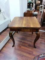 Szép, nyitható asztal frissen felújított, azonnal használható