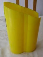 Design tejkiöntő műanyag - a legkorábbi kiöntőcsőr nélküli darab 1967 körül, tervezője ismeretlen