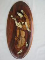 Intarziás fa fali kép női alakkal