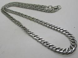 Gyönyörű széles ezüstnyaklánc