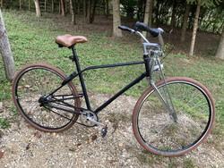 Retró modern bringa