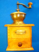 Antik, zárt adagolós, fiókos kávédaráló, Balaton felirattal