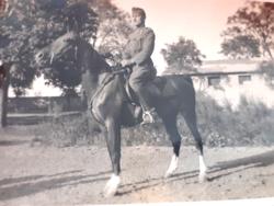 Régi katona fotó kis fénykép lovaskatona