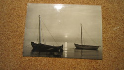 Napnyugta vitorlásokkal  a Keleti tengernél