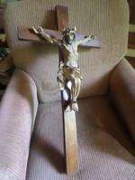 77x41 cm-es fakereszten 40 x 32 cm-es , fából faragott , nagyon szép Krisztus .