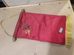 Selyem zászló, 26 cm hosszú a sötét múltból, gyűjtői darab.