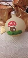 Üveg karácsonyfadisz gömb kézzel festett gomba dekor